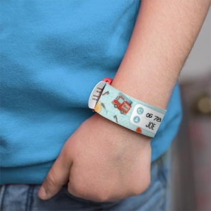 Child identification bracelet