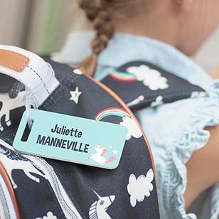 Des étiquettes pour marquer les bagages et les cartables