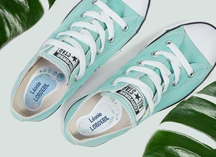 Des étiquettes pour marquer les chaussures avec le nom