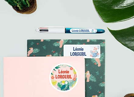 Des étiquettes pour marquer les stylos et les affaires de la trousse