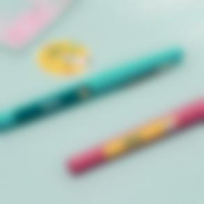 Des étiquettes pour marquer les stylos et le matériel de puériculture