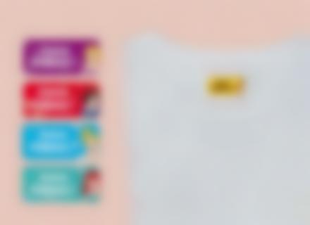 Des étiquettes Princesses Disney sur des fournitures